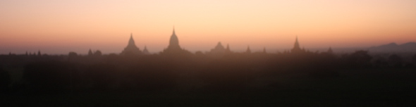 Zonsopgang over Bagan